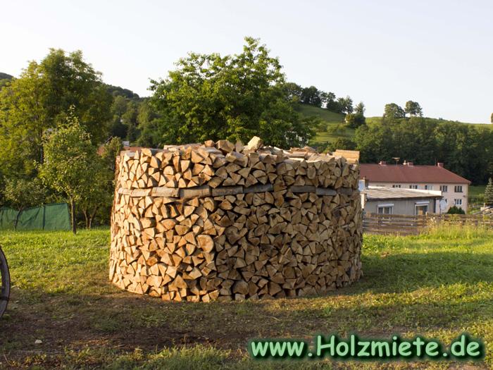 viel Wald um Banska Stiavnica