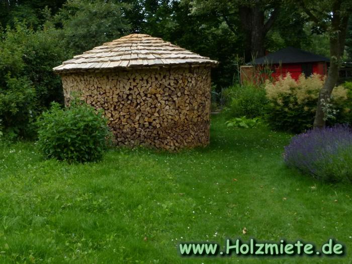 Feime als Insektenhotel und Vogelhotel
