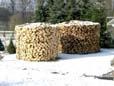 Holzstapel zum heizen in einem Kaminofen