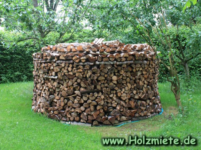 Holz Nachschub für Holzmietenbau