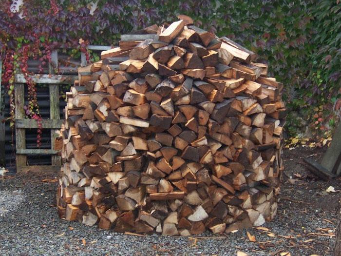 Holz hat den ersten Regenschauer überstanden
