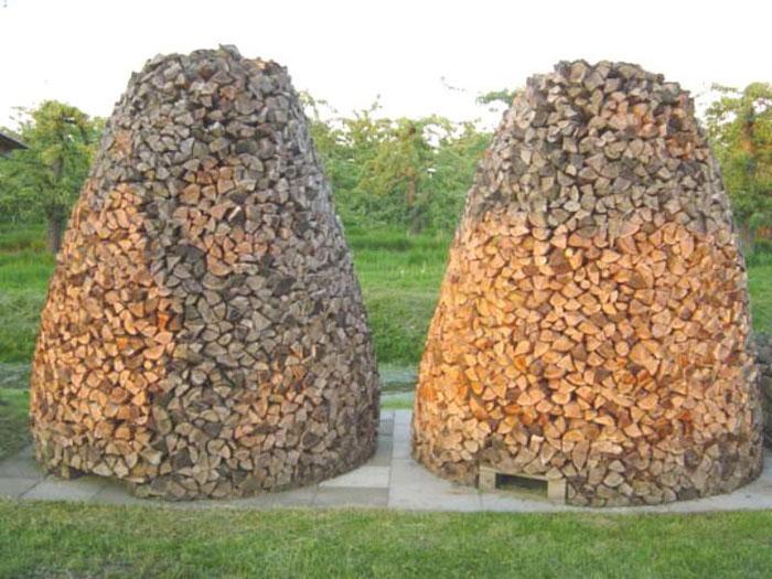 Kirschholz aus einer gerodeten Obstplantage