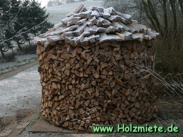 Platzsparende Lagermöglichkeit für 14 fm Holz