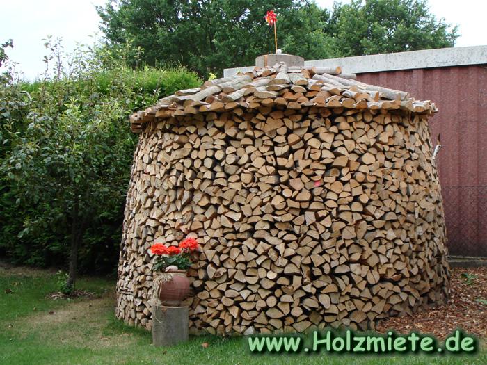 Der Meiler die geeignete Lagermöglichkeit für Holzvorrat