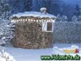 Gut geeignet ist fürs Dach Schwartenholz aus dem Sägewerk